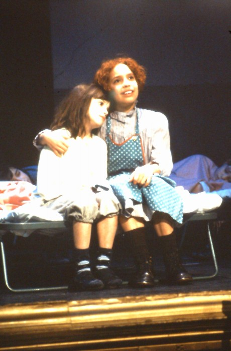 1995 Annie (4)